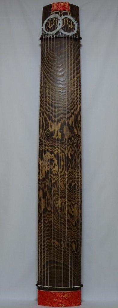 13絃琴上 未装飾  (紅木玉縁に仕上げた場合) クリ甲 六宝彫りの画像