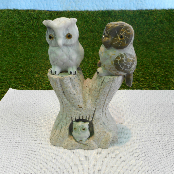 フクロウ 彫刻 置物 石 の画像