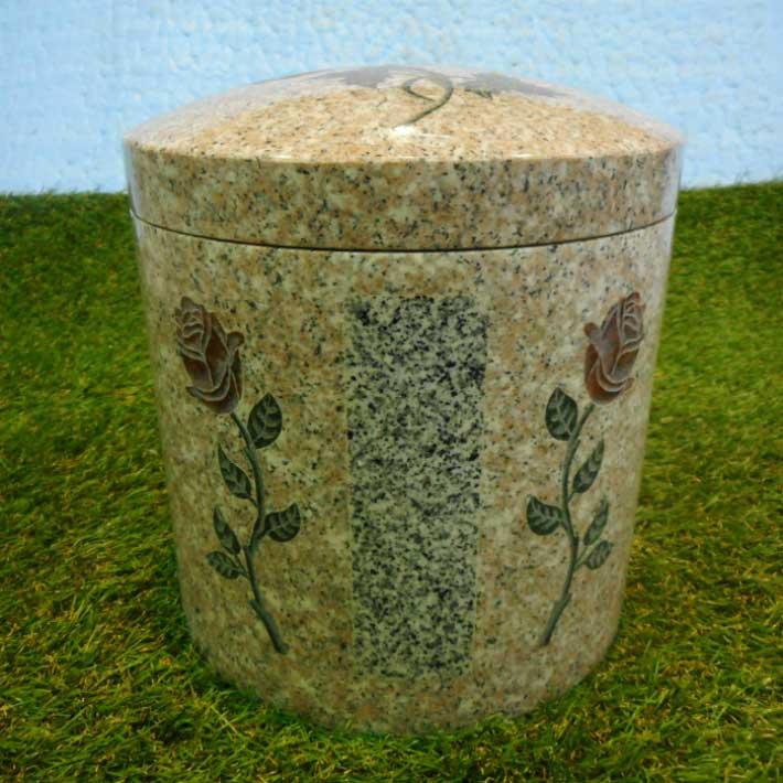 骨壺 埋め込み彫刻 数種類の石材 石 の画像