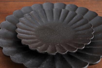 高島大樹 黒釉輪花5寸皿(大)画像