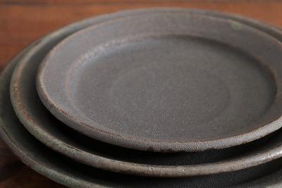 山本泰三 緑黒彩平皿画像